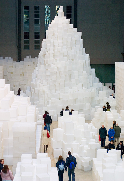 Rachel Whiteread: Embankment